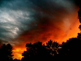 Fire clouds by pujaluvsme2