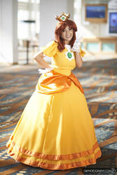 Daisy Cosplay - Princess of Sarasaland