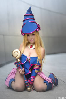 Dark Magician Girl Cosplay - Summoner
