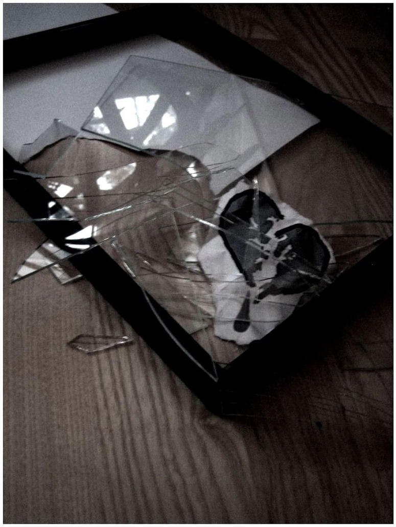Broken Glasses Frame Dream : broken frame by panicatthesanni on DeviantArt