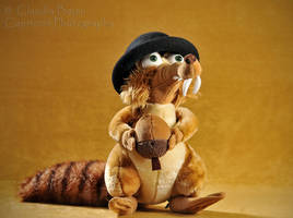Scrat with hat by Capriccio-studio