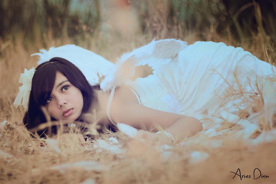 Hopeless the angel by ariszaja