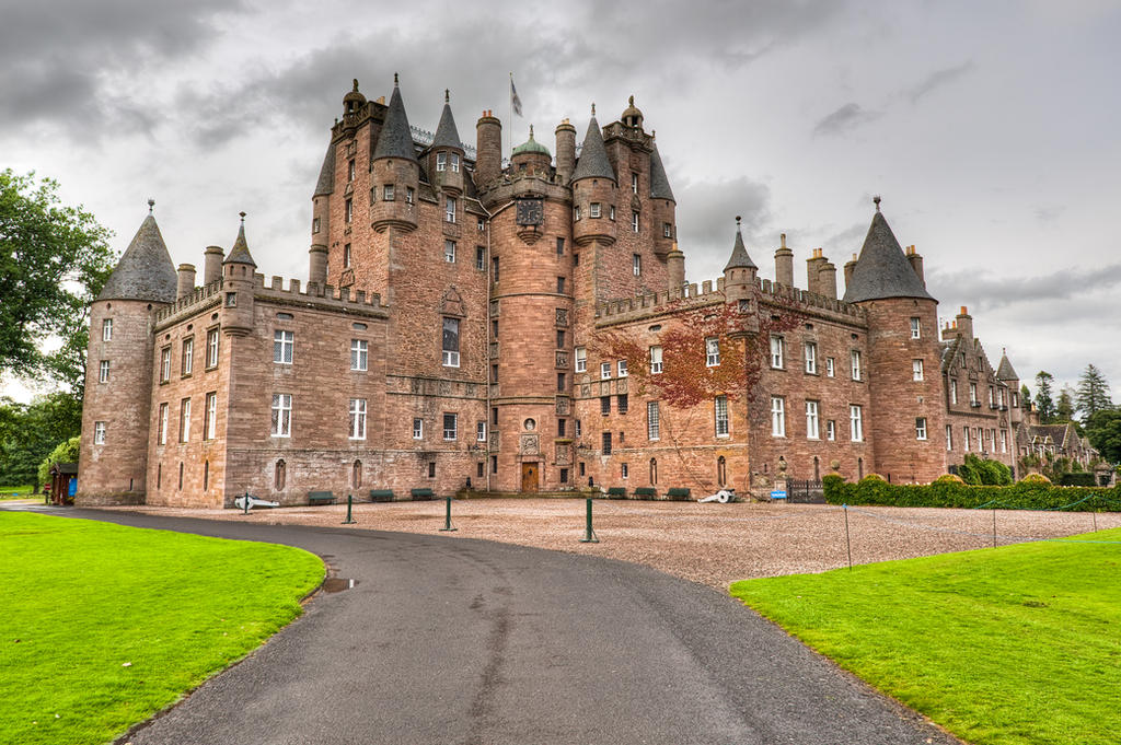 Glamis castle by yupa on deviantart for Stay in a haunted castle in scotland
