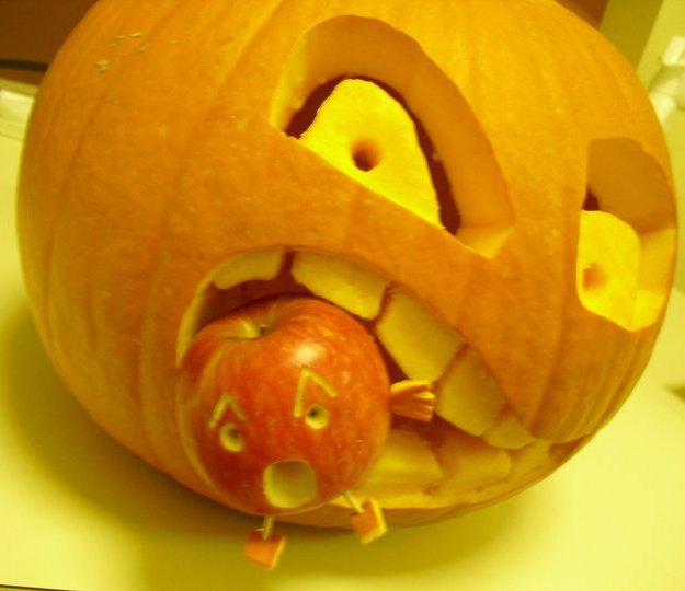 recipe: apple pumpkin carving [11]