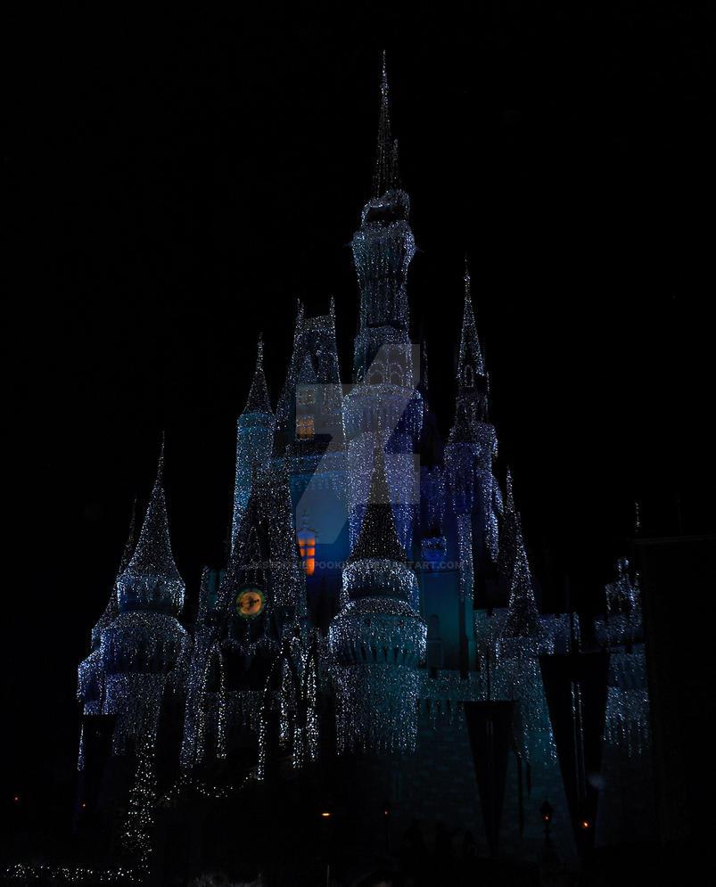 Cinderella S Castle At Night By Spookie Pookie09 On Deviantart