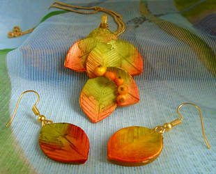 Autumn Glory Leaf and Berries Jewellery Set by aldcord