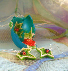 Ivy and Poinsettia Jewellery Set by aldcord