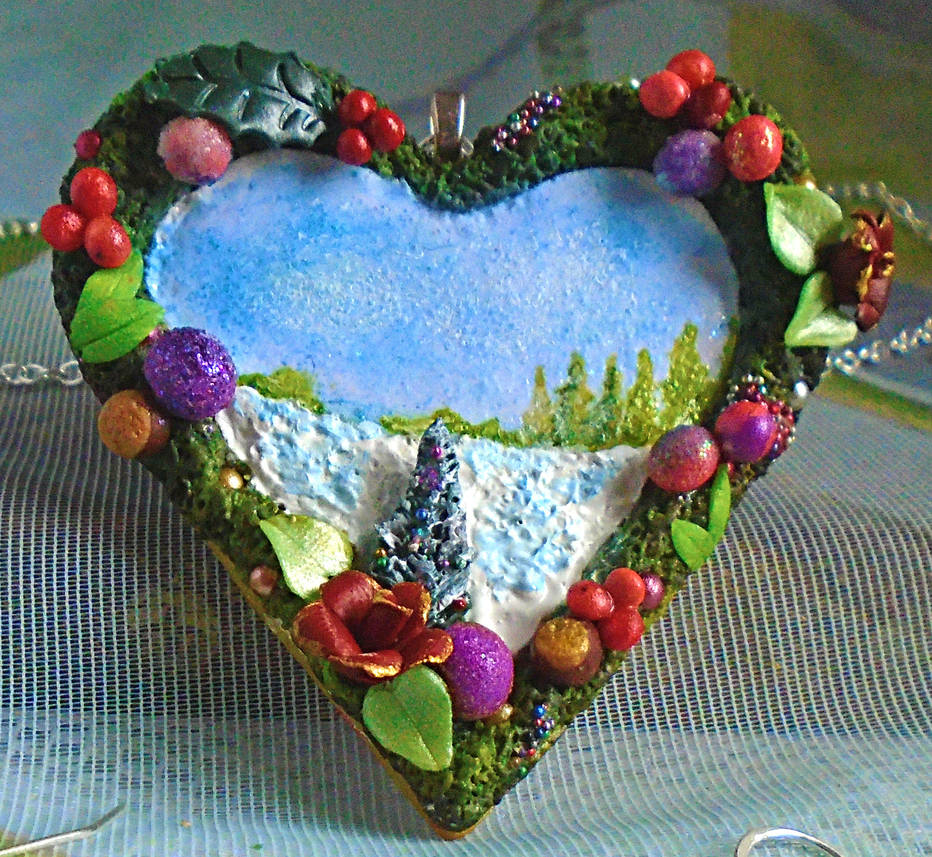 Christmas Heart Wreath Pendant. by aldcord