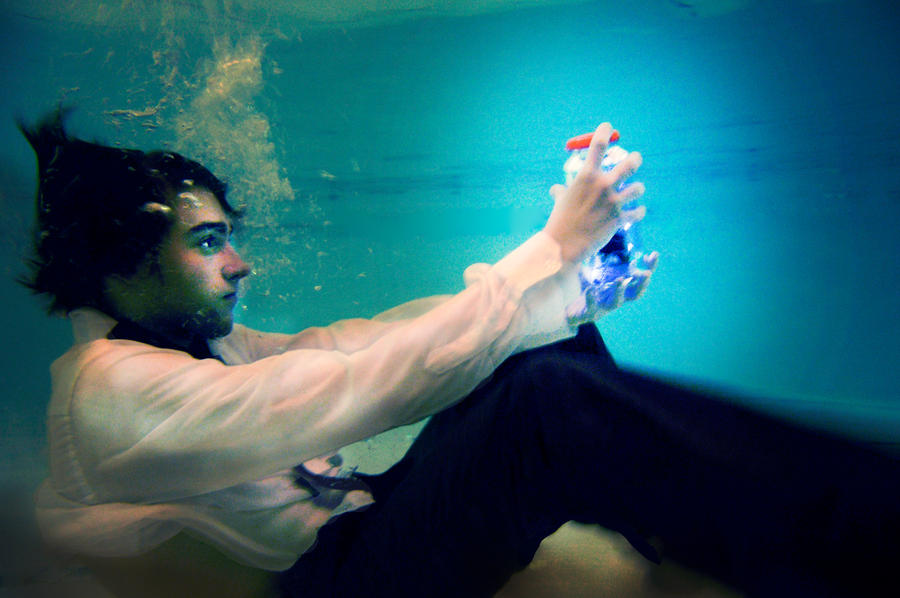 Underwater Fashion Shoot3 by CalciumBirdy