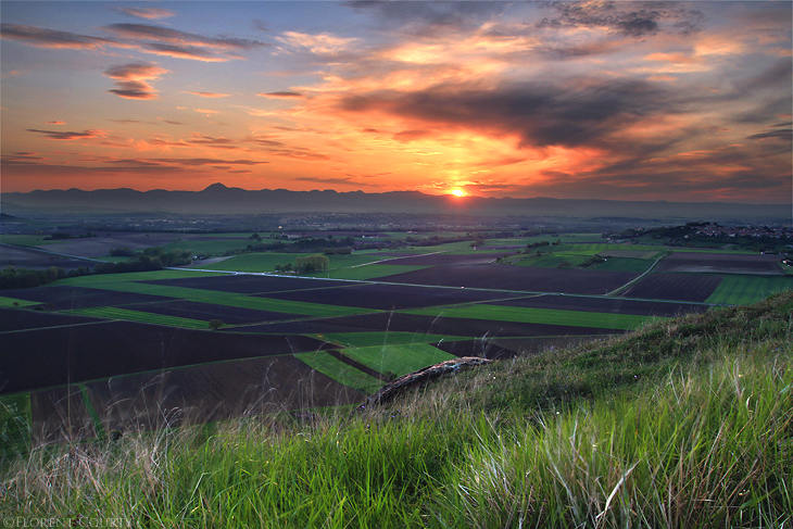 Sunset above the Plains by FlorentCourty