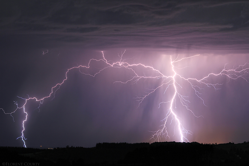 2011 08 18 Lightning strikes by FlorentCourty