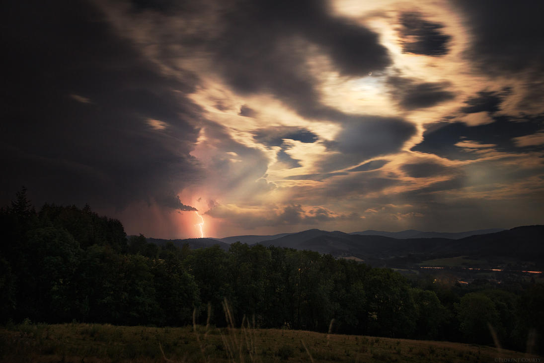 Full Moon Storms by FlorentCourty