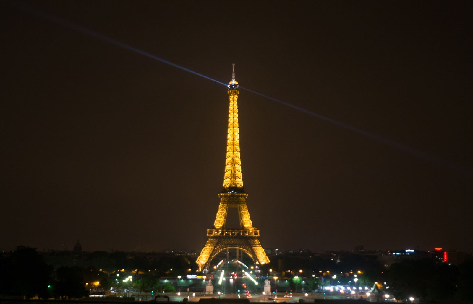 Eiffeltower at night by svenart