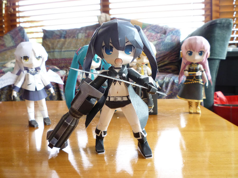 Papercrafts: Black Rock Shooter by walrusbukkit