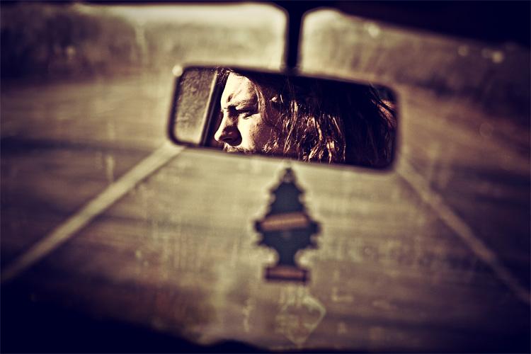 mirror song by dizzi-bizzi