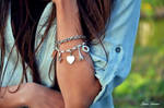 Bracelet by BeliveInLoveHoney