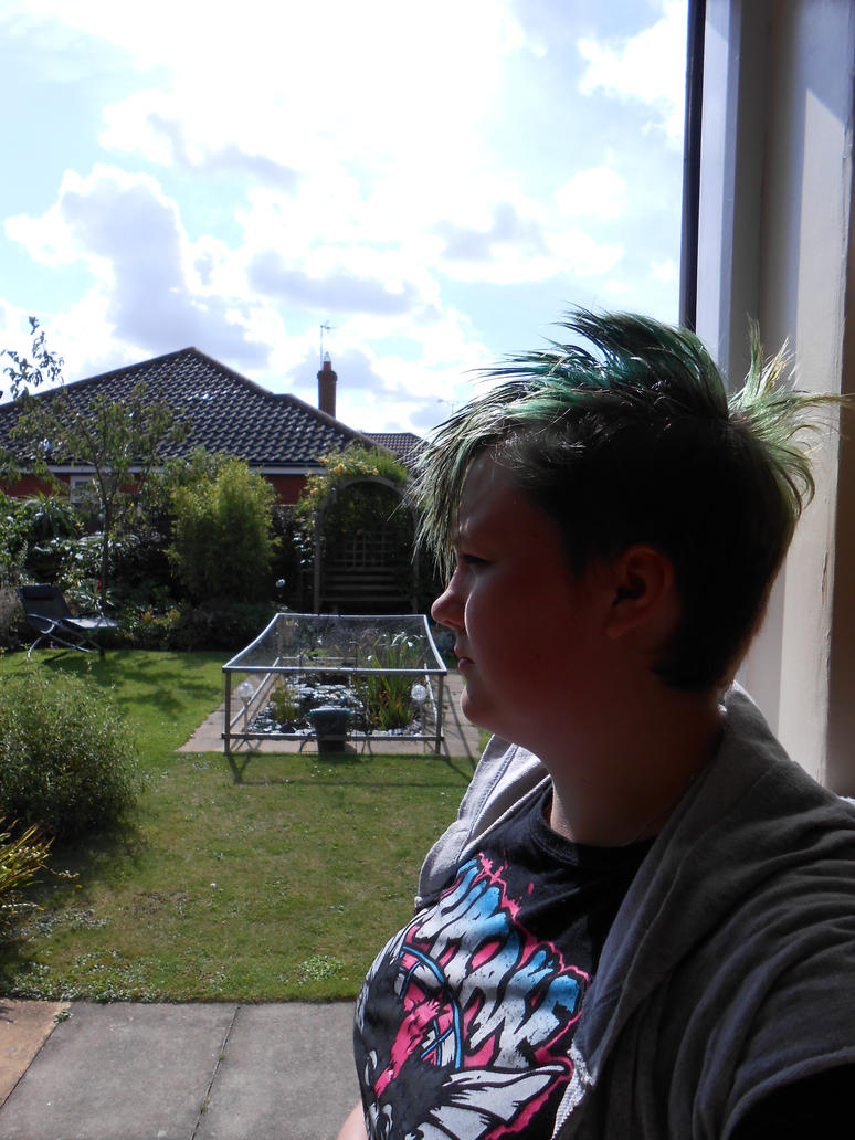 Garden and my new/old hair (Mohawk sort of) by Drinya