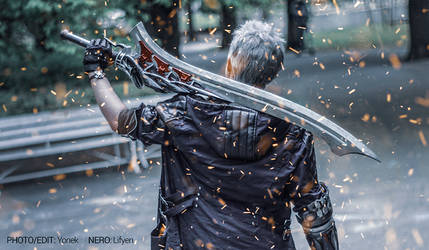 Devil May Cry 5 - Nero with Red Queen Cosplay