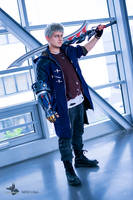 Nero Cosplay - Devil May Cry 5