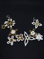 Gold Linked Flower Bracelet by Heartage