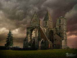 Ruins by LadyCarnal
