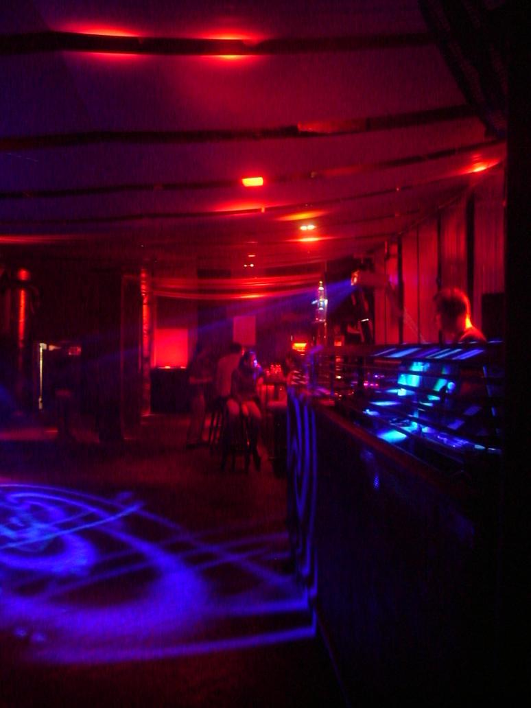 keep on clubbing by Blackscorpio