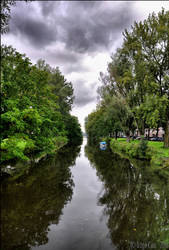 A view of a canal by mesmerizer