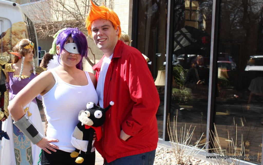 Futurama Fry and Leela Cosplay (and Nibbler) by PhoenixForce85 on ... Leela Costume