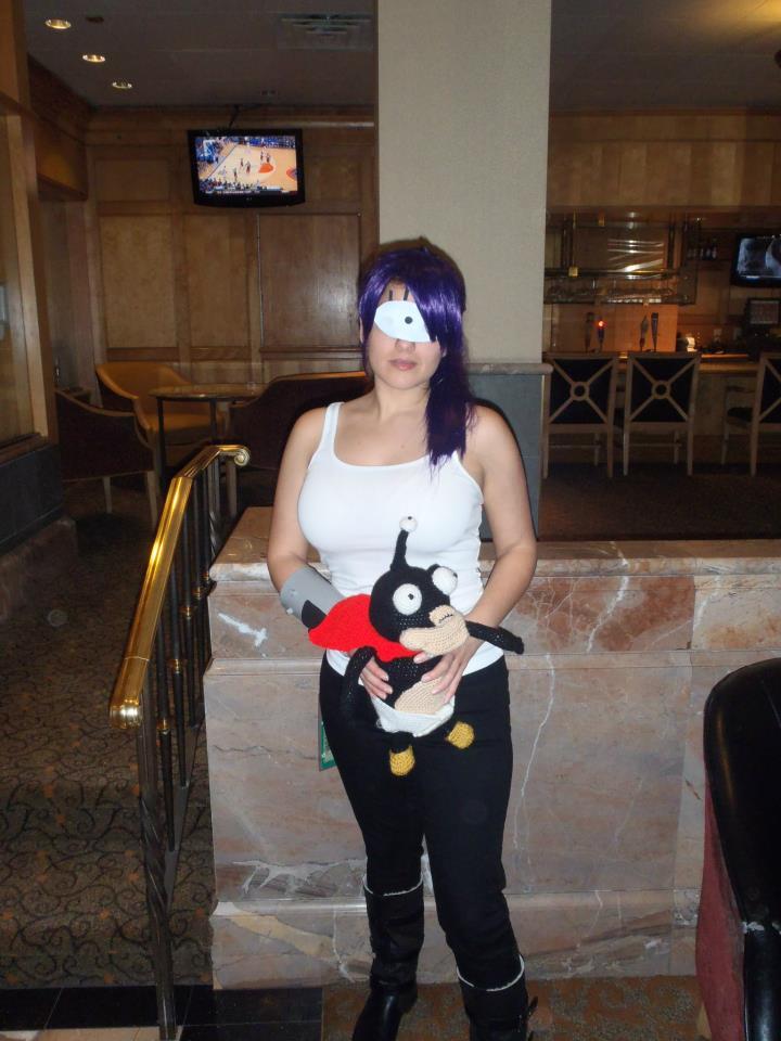 Futurama Leela Cosplay (and Nibbler) by PhoenixForce85 on ... Leela Costume Eye