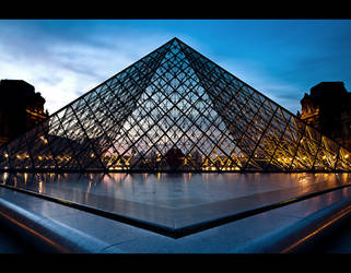 Louvre by night 4 by LeMex