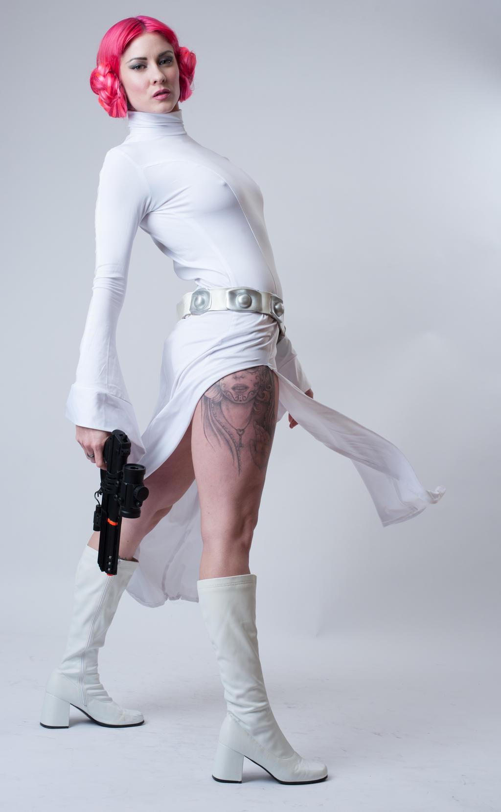 Niki Leia 3a by jagged-eye