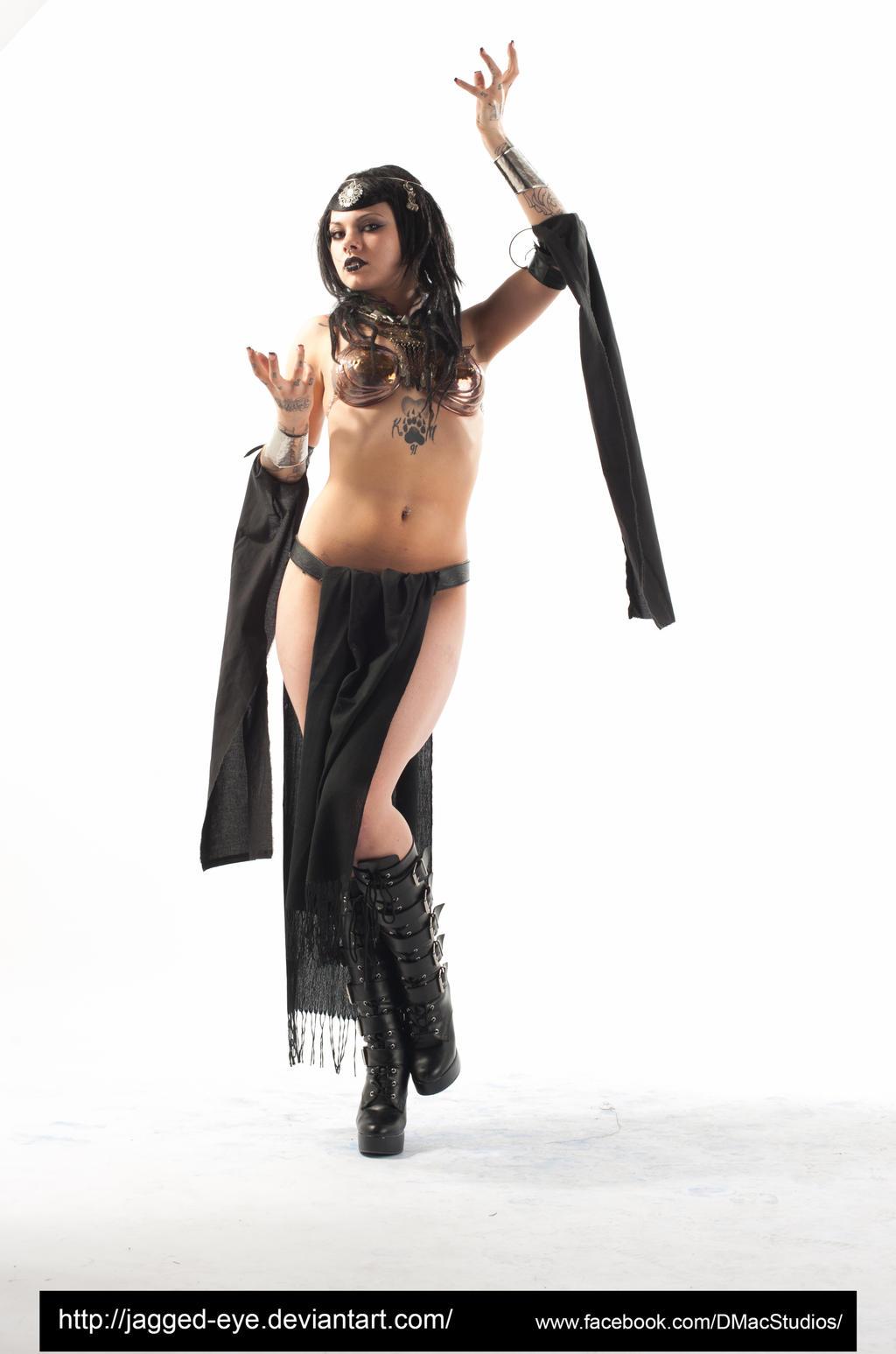 Talyn Sorceress-159