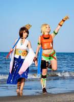 Yuna and Rikku cosplay