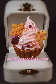 Gold Gingerbread Cupcake Ring