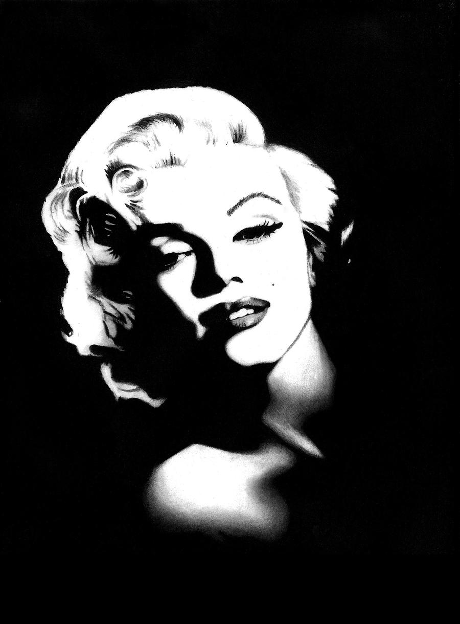 Marilyn Monroe by PearlT