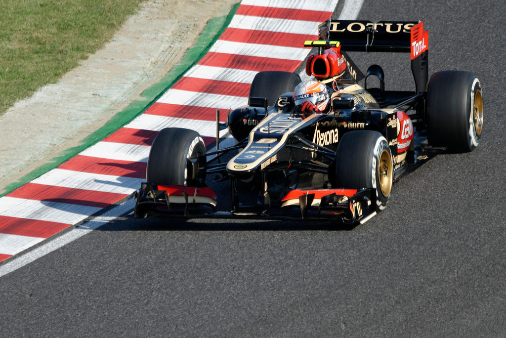 Lotus F1 Team E21, Romain Grosjean, Suzuka 2013 by greg-house