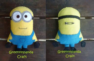 Despicable Me Minion Plushie by greennnpandacraft