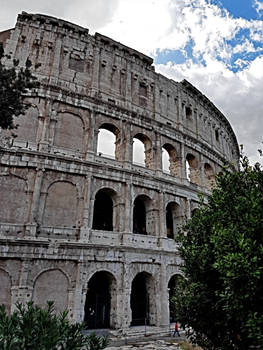 Buildings With The Scent Of History - Colosseum
