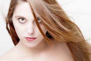 Marisa, High key by HePhoto