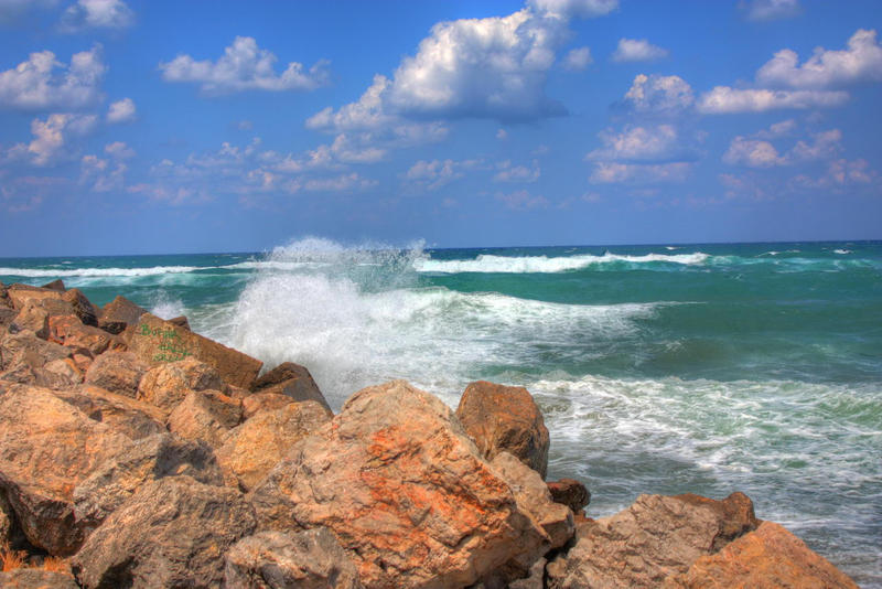 Waves by hephahistos