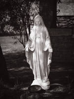 statue maria - tuscany by 8moments