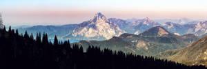 Background - treeslope silhouette - traunstein