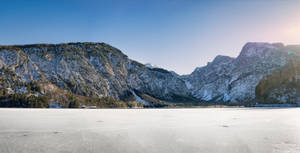 background - frozen lake - almsee