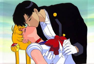 Sailor Moon Fan Cel Kiss by midnitedying