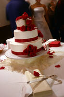 wedding cake by tarynlindsey