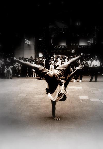 """Obrázek """"http://fc05.deviantart.com/fs24/i/2008/021/6/c/Break_dance_by_Idsoha.jpg"""" nelze zobrazit, protože obsahuje chyby."""