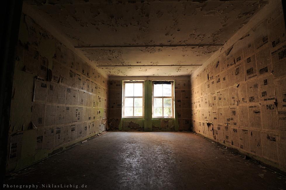 Newspaper Room by NiklasLiebig