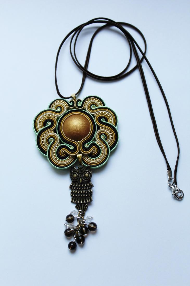 Owl pendant by GosiaBizu