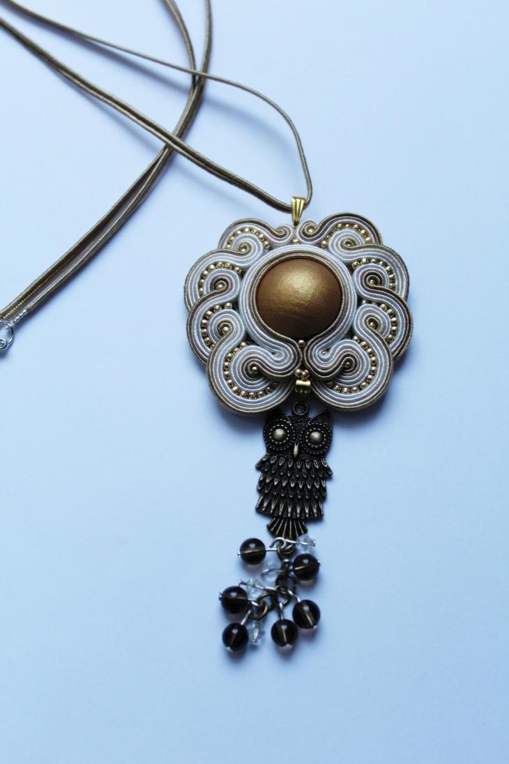 Ow pendant 2 by GosiaBizu