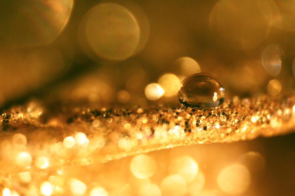 Oh My Gold II by ValentinaWhite